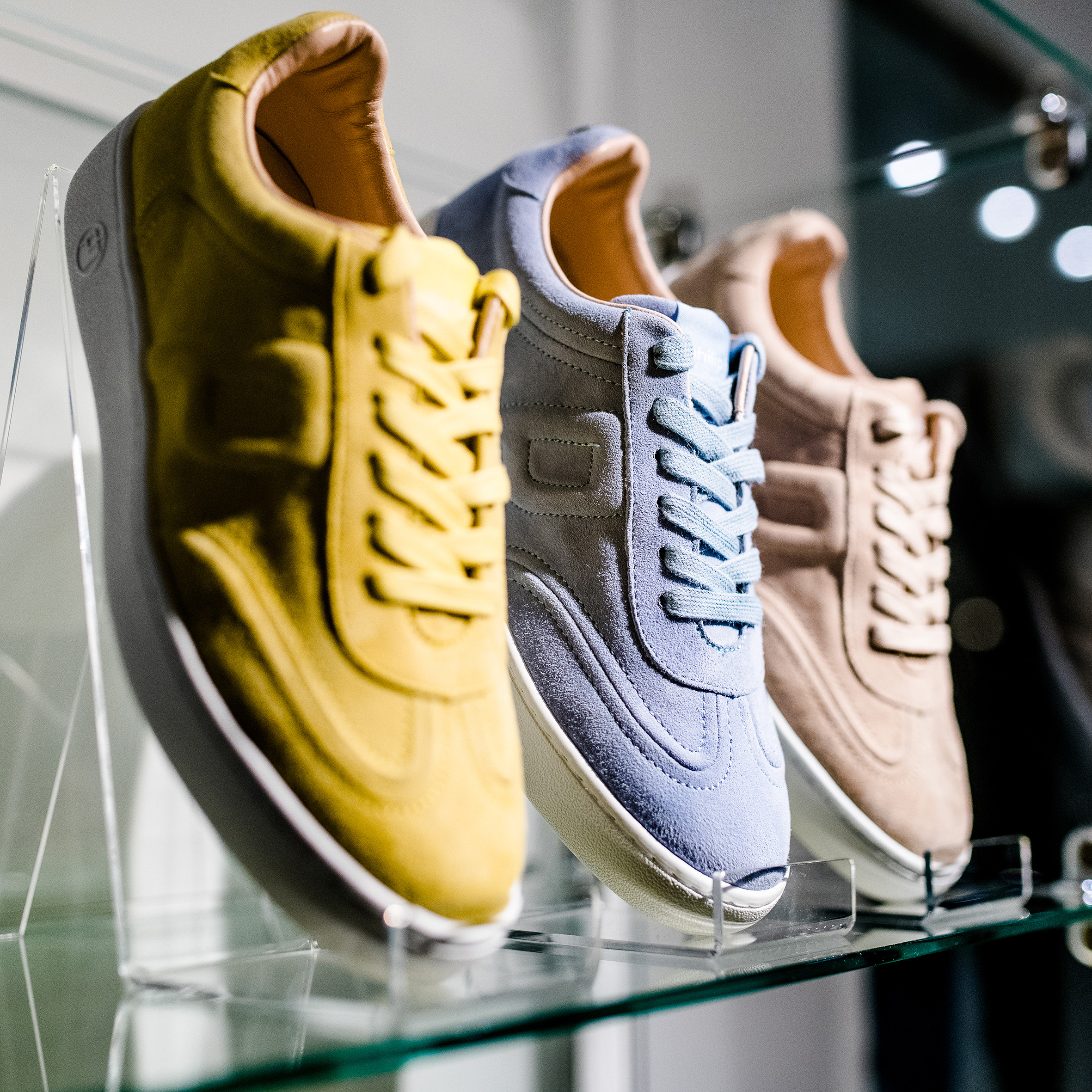 Dem Frühling entgegen laufen! Jetzt neu bei HILLERS: Sneakers von Philip Hog